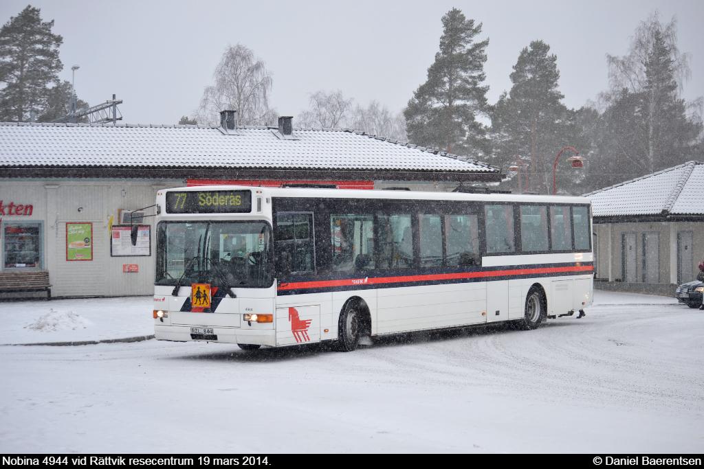 Nobina 4944